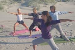 Yoga Zomer Vakantie met hartverwarmende yoga en meditatie, strandwandelingen en heerlijk vegetarisch eten. Pure ontspanning, frisse energie opdoen en volop genieten van yoga, het mooie eiland Terschelling, de zomer en het strand.