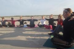Een yogaweek(end) of yogavakantie met verblijf in een sfeervolle accommodatie, hartverwarmende en adem geïnspireerde yoga, enthousiaste mensen, prachtige wandelingen, heerlijke vegetarisch eten, bagagevervoer en een huurfiets op Terschelling.